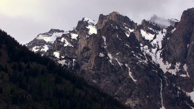 snowy teton canyon - 懷俄明州 個影片檔及 b 捲影像