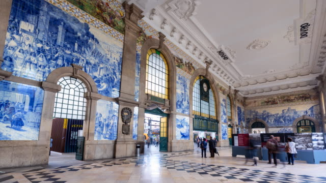 vídeos y material grabado en eventos de stock de tl ws são bento train station porto dcorated with with azulejo tiles - azulejo