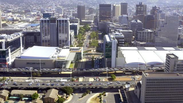 1つの都市で非常に多くの機会 - 南アフリカ共和国点の映像素材/bロール