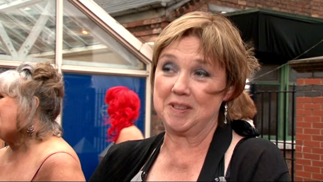 vídeos y material grabado en eventos de stock de soap awards 2011; gv's and interview pauline quirke sot - on bringing 'birds of a feather' onto stage and touring - on filming marks last scene - on... - telenovela