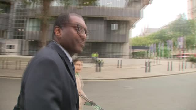 soaring energy prices: help sought from treasury to support industry; 7th october 2021 england: london: ext gvs kwasi kwarteng mp ignoring reporters... - pursuit concept stock videos & royalty-free footage