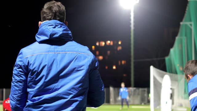 Fußball-Torhüter-Training mit Ball-Canon