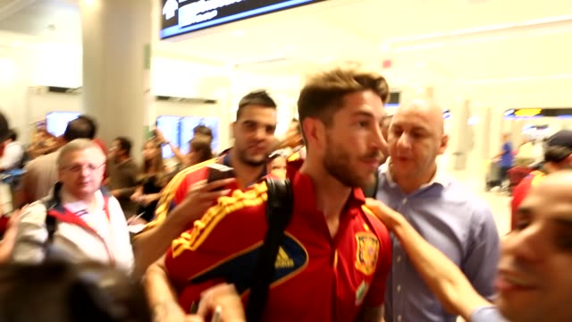 soccer players from the spanish national team arrive at miami international airport. soccer players from the spanish national team on june 04, 2013... - international team soccer stock videos & royalty-free footage