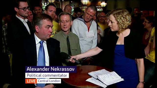 vídeos y material grabado en eventos de stock de reaction to antigay laws in russia england london soho ku bar vox pops alexander nekrassov and peter tatchell live debate sot - sochi