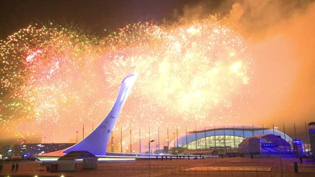vídeos y material grabado en eventos de stock de sochi's $50 billion olympics closely interwoven with president vladimir putin's image and plagued by controversy in the buildup ended sunday with a... - sochi