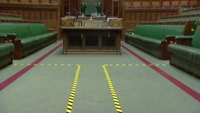 social distancing markers on floor of house of commons, to enable mp's to attend sessions safely during coronavirus pandemic - britisches parlament stock-videos und b-roll-filmmaterial