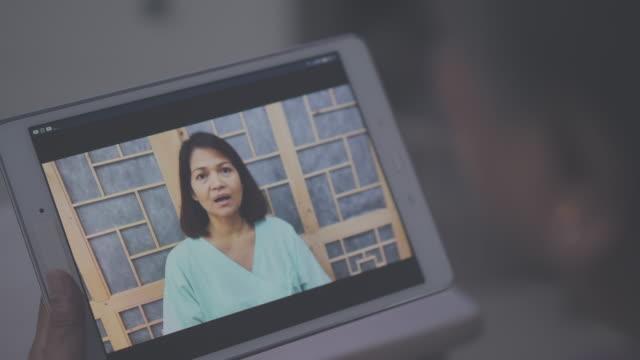 vidéos et rushes de distanciation sociale : télémédecine - au loin