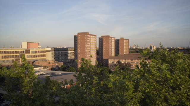 vidéos et rushes de social housing in london. - hackney