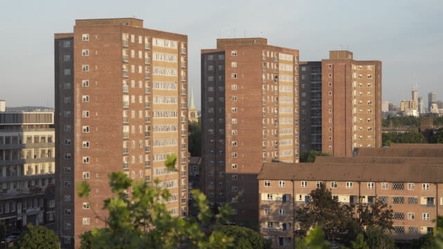 social housing in london. - england stock-videos und b-roll-filmmaterial