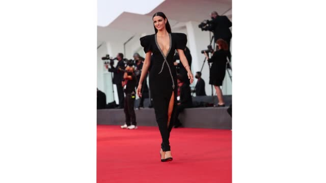 venice italy september 05 sofia resing walks the red carpet ahead of the movie miss marx at the 77th venice film festival on september 05 2020 in... - gif stock videos & royalty-free footage