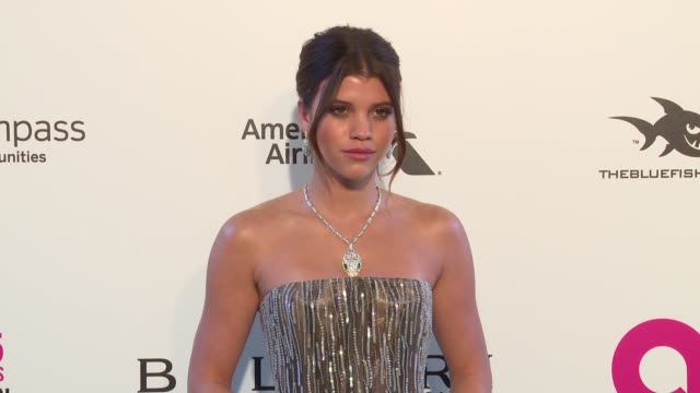 vídeos de stock, filmes e b-roll de sofia richie at elton john aids foundation presents the 26th annual academy awards viewing party on march 04 2018 in west hollywood california - 2018
