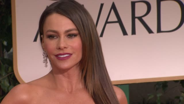 vídeos y material grabado en eventos de stock de sofia vergara at 69th annual golden globe awards arrivals on january 15 2012 in beverly hills california - 2012