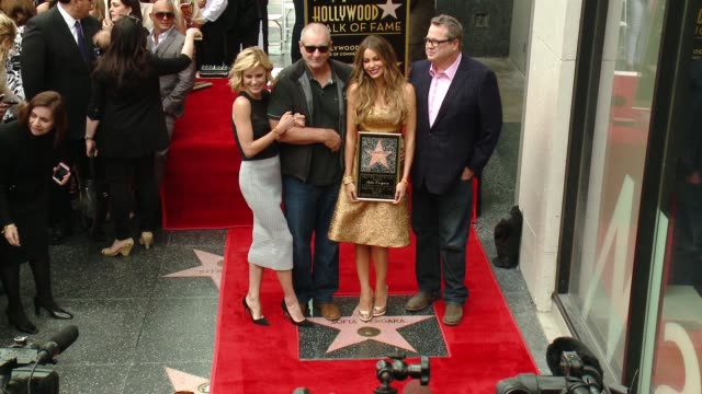 sofia vergara julie bowen ed o'neill and eric stonestreet at hollywood walk of fame on may 07 2015 in hollywood california - julie bowen stock videos and b-roll footage