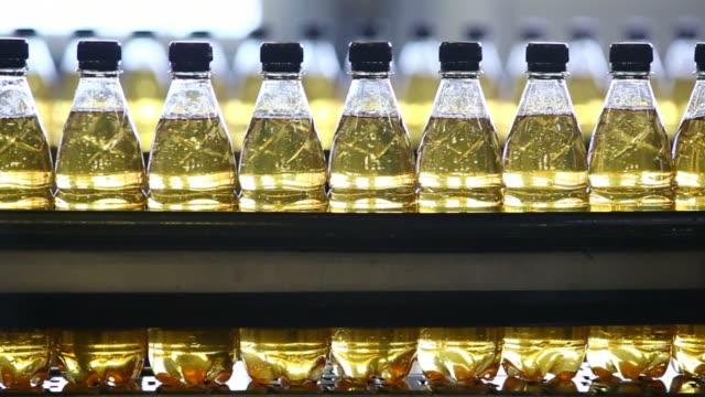 cu soft drink bottling line - bottling plant stock videos & royalty-free footage