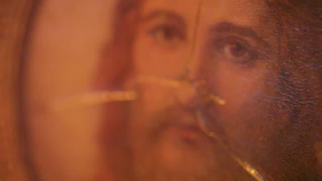 vídeos de stock e filmes b-roll de soft olhos do salvador - cristo redentor