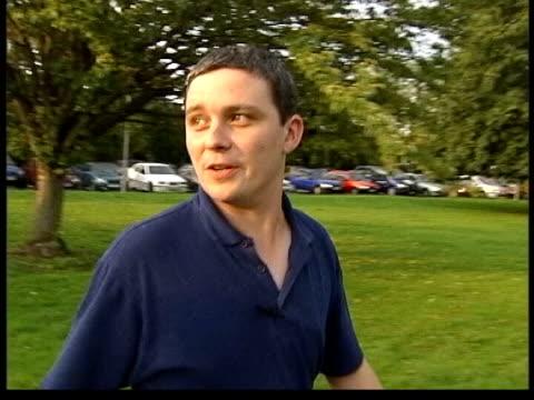 verdict evening news lib cambridgeshire soham ian huntley along to meeting with maxine carr - 評決点の映像素材/bロール