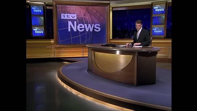 stockvideo's en b-roll-footage met verdict: itv late news pab; england: london: gir: int bill neely i/c 'coming up' - itv late news