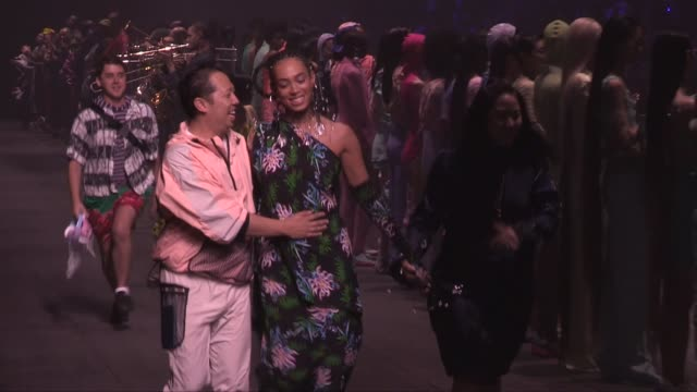 solange knowles models and designer on the runway for the kenzo men and women spring summer 2020 fashion show in paris sunday 23rd june 2019 paris... - sonntag stock-videos und b-roll-filmmaterial