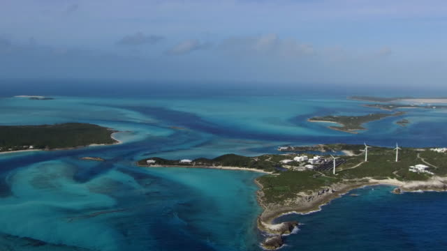 stockvideo's en b-roll-footage met solar and wind power aerial exumas, bahamas - bahama's