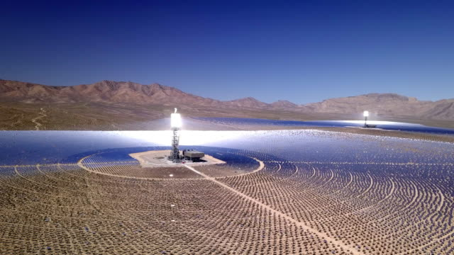 solar electric generation plant in nevada desert - man and machine stock videos & royalty-free footage