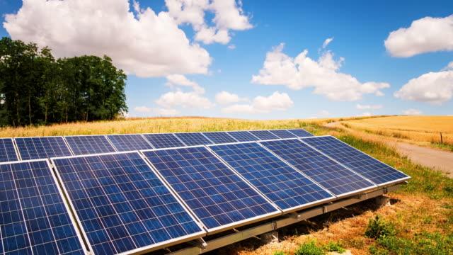 Solar Panel Zeitraffer (4 k UHD Entschließung an.