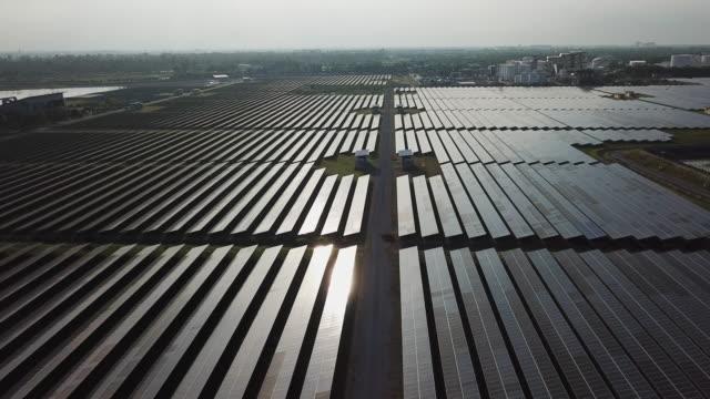 solarpanel - fuel and power generation stock-videos und b-roll-filmmaterial