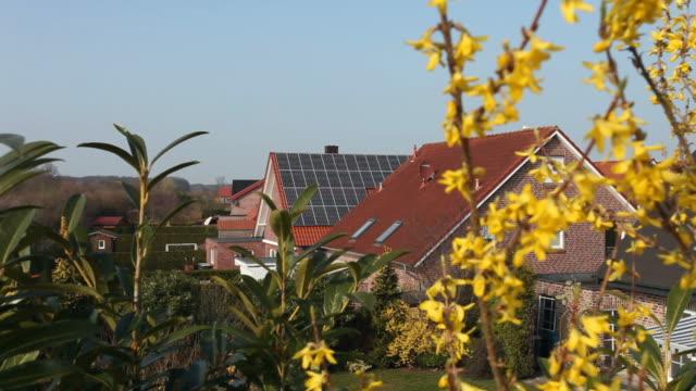 stockvideo's en b-roll-footage met solar panels on a roof - vrijstaand huis