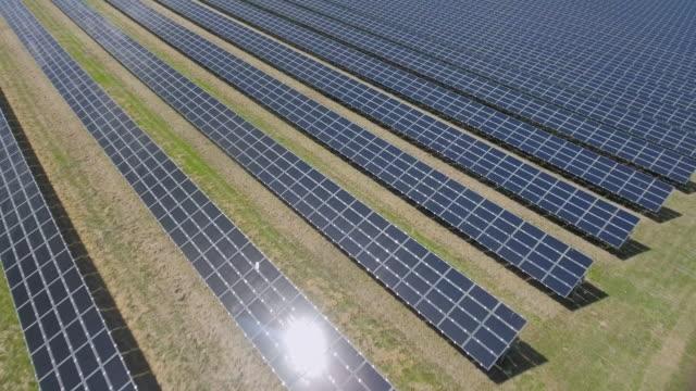 AERIAL Solar Power Station Flyover Shot (4K/UHD)