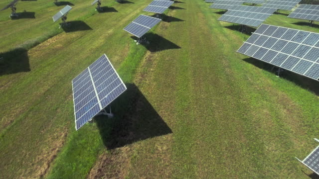 AERIAL Solar Power Station With Turnable Panels (4K/UHD)
