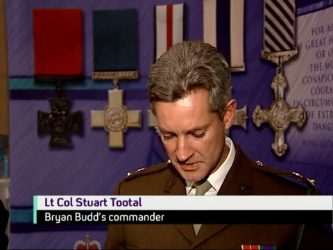 soldier killed in afghanistan awarded posthumous victoria cross lt colonel stuart tootal speaking to press sot makes statement on behalf of budd - the victoria cross stock-videos und b-roll-filmmaterial