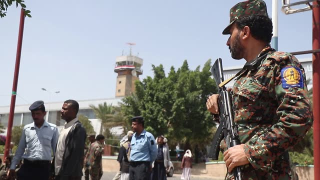 YEM: Protest To Lift Blockade On The Sana'a Airport In Yemen