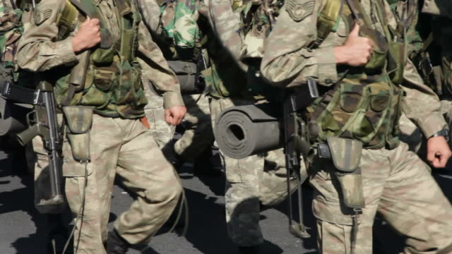soldaten - army stock-videos und b-roll-filmmaterial