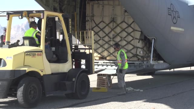 soldiers and equipment arrive at white sands missile range for the exercise vigilant shield 18 includes video of equipment arriving at condron army... - white sands missile range stock videos & royalty-free footage
