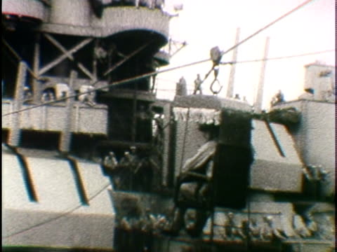 W PAN Soldiers being transferred across warships during Japanese surrender