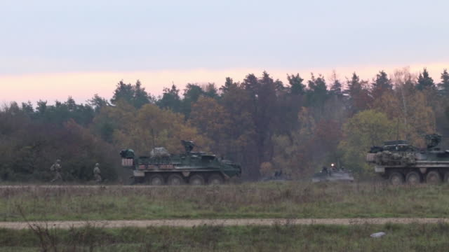 us soldiers conduct a simulated firefight at hohenfels readiness center germany during exercise dragoon ready 20 - army stock videos & royalty-free footage