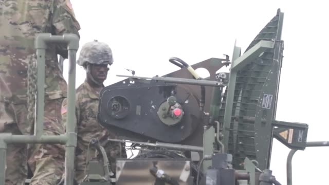 soldiers from 1st battalion 1st air defense artillery regiment 94th army air and missile defense command hone their patriot missile system skills... - 米軍点の映像素材/bロール