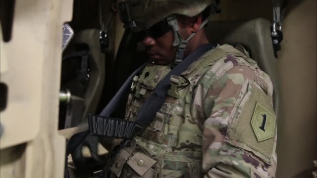 soldiers from 299th brigade support battalion 2nd armored brigade combat team 1st infantry division fort riley kansas conduct met training at... - safety harness stock videos & royalty-free footage