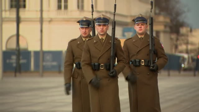 Soldiers guarding the Tomb of the Unknown Soldier in Warsaw