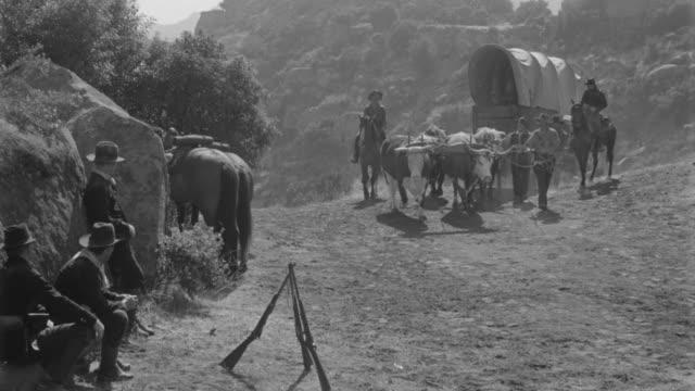 ms soldiers in mountain area - arbetsdjur bildbanksvideor och videomaterial från bakom kulisserna