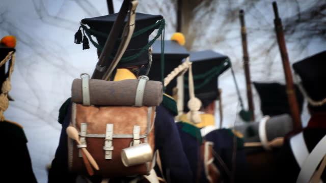 soldaten im napoleon - marschieren stock-videos und b-roll-filmmaterial