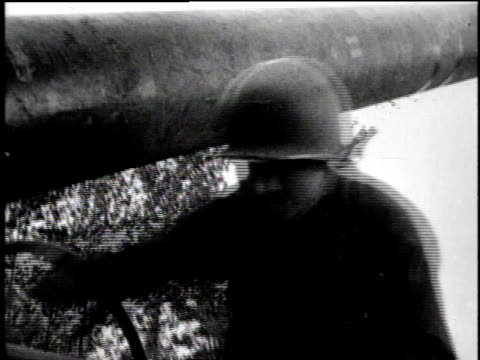 montage soldiers load cannon / la soldier aims cannon / cu cannon / ms soldier on field phone / ls cannon firing / la cannon firing / ls explosions... - la manche stock videos and b-roll footage