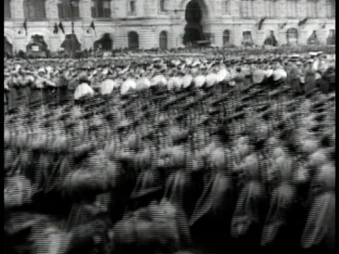 soldiers marching in parade formation - 1935 stock-videos und b-roll-filmmaterial