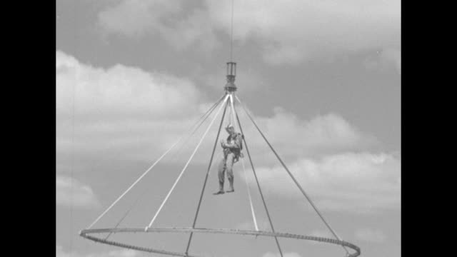 soldiers of the 29th regiment regular army out of fort benning ga in parachute training officers are hoisted up in parachute frame and hang in midair... - fort benning video stock e b–roll