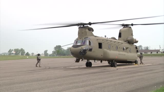 soldiers of the 4th aviation brigade ft carson colorado load a ch47 chinook to support the vibrant response '14 exercise at camp atterbury indiana - scientific imaging technique stock videos and b-roll footage
