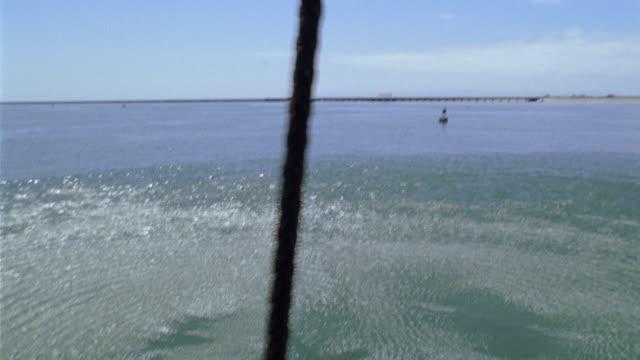 ms, td, soldiers rappelling into water on rope, usa - ta ner bildbanksvideor och videomaterial från bakom kulisserna