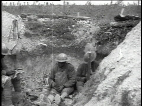 WWI soldiers relaxing and eating