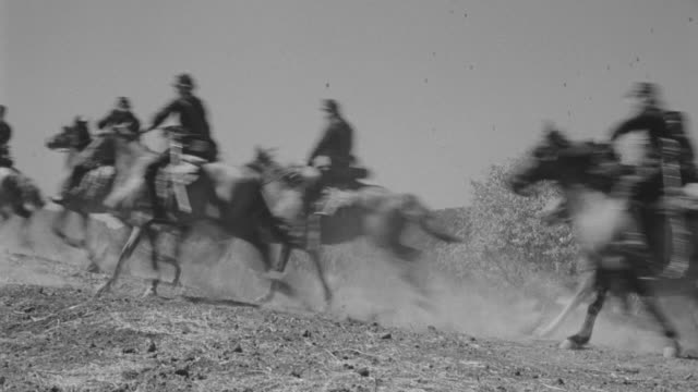 WS PAN Soldiers riding