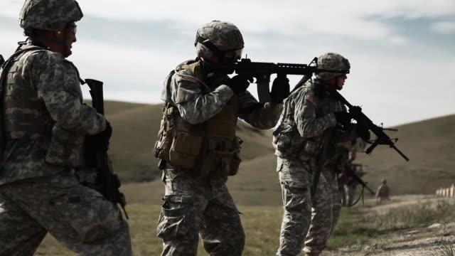 soldiers shooting during target practice - target shooting stock videos & royalty-free footage