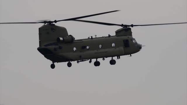 soldiers with 2-227th aviation regiment, 1st air cavalry brigade out of fort hood texas conduct routine training with ch-47 chinook and hh-60 medevac... - 戦隊点の映像素材/bロール