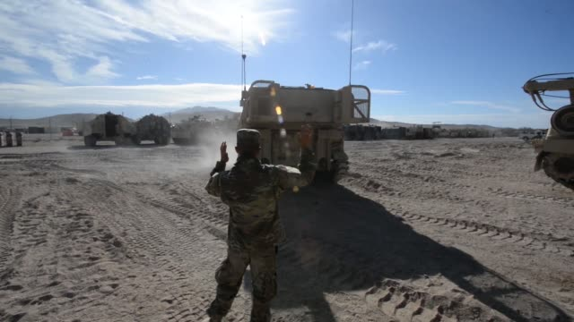 soldiers with north carolina national guard deployed for operation hickory sting at the national training center fort irwin california to conduct... - infanterie stock-videos und b-roll-filmmaterial